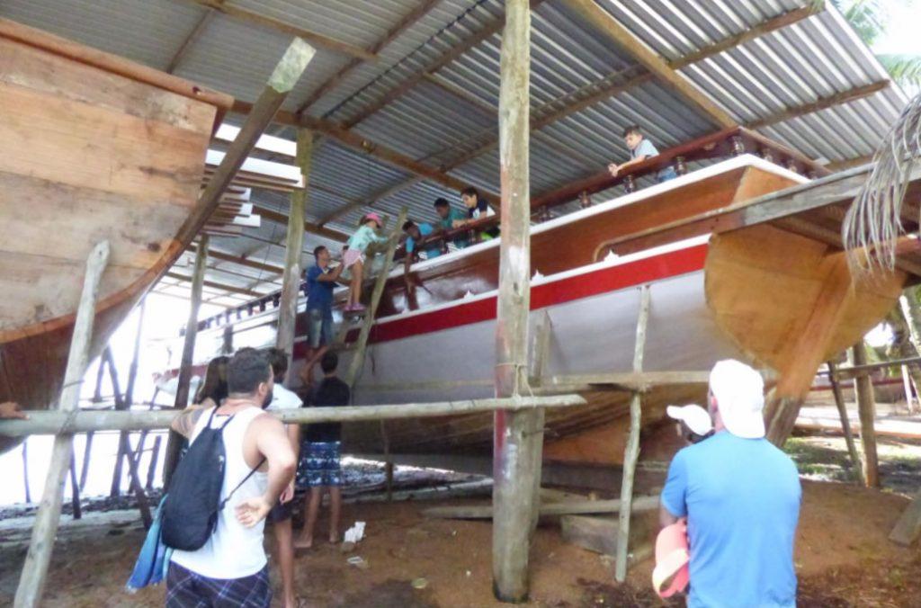 Baía de Camamu – Cajaíba – construção de barcos de madeira
